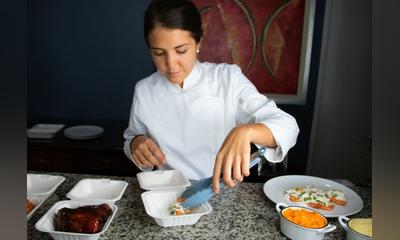 Plataforma ofrece comida gourmet a domicilio